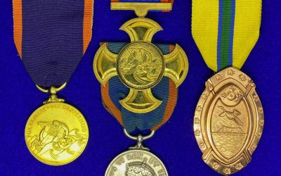 The South African George Cross (GC) – From the Great Gale in Table Bay to The Woltemade Cross for Bravery in Gold….The highest Reward for Civilian Bravery.. details regarding the award, types, naming and numbering styles….